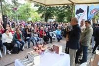 BEKIR COŞKUN - Karagöz Kültür Sanat Ve Kakava Festivali'nde Gazeteci Yazar Bekir Coşkun'a Yoğun İlgi