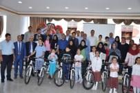 Palu'da En Fazla Kitap Okuyan Öğrencilere Bisiklet Hediye Edildi
