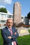 BILGE KAĞAN - Rektör Üniversiteye Bilge Kağan Anıtı Diktirdi