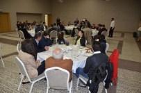 İLYAS ÇAPOĞLU - İş Adamı Süleyman Tan Başarılı Sağlık Çalışanları İle Bir Araya Geldi
