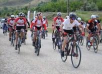 Bisiklet Ve Yamaç Paraşütü Şenliği Düzenlendi