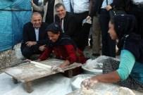 BÖLÜNMÜŞ YOLLAR - CHP'li Tekin Mevsimlik Tarım İşçilerinin Sorunlarını Dinledi