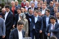 SARE DAVUTOĞLU - Eski Başbakan Davutoğlu'na Sevgi Seli