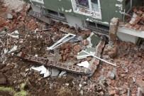 Sinop'ta Aşırı Yağış Nedeniyle İstinat Duvarı Yıkıldı
