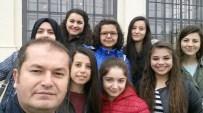 Burhaniye'de Sağlıkçı Gençler Viyana'dan Döndü