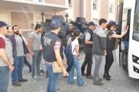 DÖNER BIÇAĞI - İzmir'de Terör Operasyonunda Gözaltına Alınanlar Adliyeye Sevk Edildi