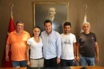 ÖZLEM TEKİN - Küçükbük Muhtarı Ve Azalarından Mehmet Kocadon'a Ziyaret