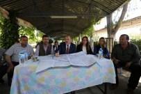 KARAHAYıT - Başkan Gürlesin Akköy Mahallesi'nde Vatandaşlarla Buluştu