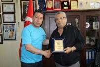HAKAN KILIÇ - Didim'deki Karadenizlilerden Başkan Kubaliç'e Teşekkür Plaketi