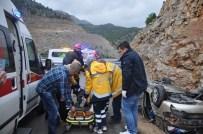 Araçta Sıkışan Yaşlı Kadınları İtfaiye Kurtardı