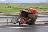 SULUCA - Tosya'da Motosiklet Kazası Açıklaması 1 Yaralı