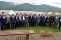 Vali Güzeloğlu'dan Kartepe Belediyesi'ne Ziyaret