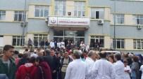 SAĞLıK VE SOSYAL HIZMET ÇALıŞANLARı SENDIKASı - Doktorlar, Saldırıyı Kınamak İçin Bir Günlük İş Bıraktılar