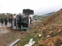 HASAN CEYLAN - Erzurum'da Yolcu Midibüsü Devrildi: 25 Yaralı