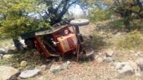Traktör Uçuruma Yuvarlandı Açıklaması 1 Ölü, 9 Yaralı