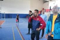 RAMAZAN KENDÜZLER - Tutak'ta Voleybol Turnuvası