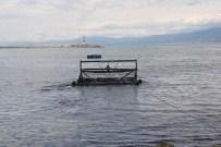 Burhaniye'de Deniz Temizliği