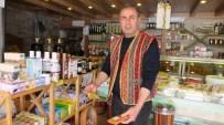 Burhaniye'de Emekli Eğitimci Örnek Esnaf Oldu