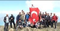 Hazar Baba Dağı'na Türk Bayrağı Dikip İstiklal Marşı Okudular