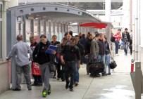 Sarp Sınır Kapısı'ndan Günde Yaklaşık 22 Bin Kişi Giriş Çıkış Yapıyor