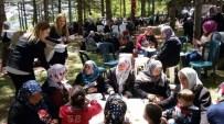SALAR - Anneler Gününü Anasultan'da Kutladılar