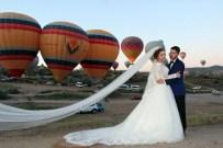 BURAK YILDIRIM - Kapadokya'da Balonlar Eşliğinde Düğün Fotoğrafı Çekildiler