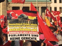 BRANDENBURG - Berlin'de Binlerce Türk'ten Protesto