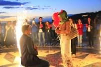 EVLİLİK TEKLİFİ - Kordonda Sürpriz Evlilik Teklifi