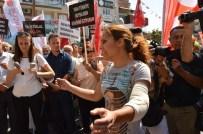 Bayan Esnaftan CHP'lilere 'Daha Saygılı Miting Yapın' Tepkisi