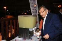 Zeytinburnu Belediyesi'nden 300 Litrelik Limonata İkramı