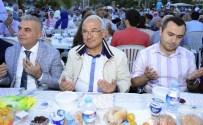 YAVUZ ARSLAN - Büyükşehir Belediyesi, İlk İftar Sofrasını Aydıncık'ta Kurdu