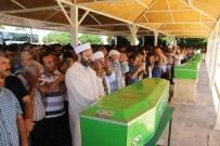 HALİL ÖZCAN - Kazada Ölen 10 Kişi Defnedildi