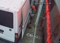 Peçeli Kumaş Hırsızları Güvenlik Kamerasına Takıldı