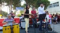 Burhaniye'de Öğrenci Orkestrası Coşturdu
