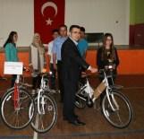 HÜSEYIN AVCı - Kulu'da Öğrencilere Bisiklet Dağıtımı