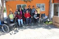 OMURİLİK FELÇLİLERİ - Omurilik Felçlilerine 8 Adet Tekerlekli Sandalye Desteği