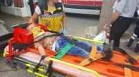 AHMET METE - Kargo Aracının Çarptığı Çocuklar Yaralandı