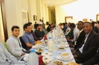 FILDIŞI SAHILLERI - 52 Farklı Ülkeden Yaklaşık 200 Öğrenci YÖK'te Düzenlenen İftarda Buluştu