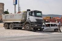 KıLıLı - Otomobil Kamyonun Altına Girdi Açıklaması 1 Yaralı