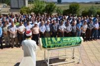 KıLıLı - 41 Yerinden Bıçaklanarak Öldürülen Esra Adıgüzel Toprağa Verildi