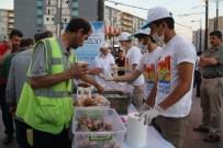 KAZLıÇEŞME - İftara Yetişemeyen Vatandaşların İmdadına Zeytinburnu Belediyesi Yetişti
