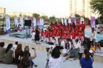 BARBAROS HAYRETTİN PAŞA - Mezitli Belediyesi Çocuk Korosu İzleyenleri Büyüledi