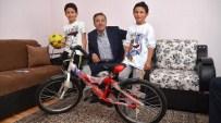 SELÇUK ÇETIN - Başkan Çetin'den Sünnet Olan Çocuklara Bisiklet