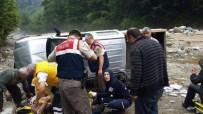 RİZE BELEDİYESİ - Çayeli'nde Trafik Kazası Açıklaması 1 Ölü, 3 Yaralı