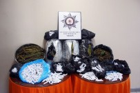 YALıNAYAK - Mersin Polisinden Sokak Satıcılarına Operasyon