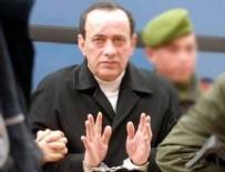 ALAATTIN ÇAKıCı - Alaattin Çakıcı'ya, Cumhurbaşkanı'na hakaretten 11 ay hapis cezası