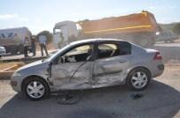 ŞERİT İHLALİ - Kahramanmaraş'ta Tır İle Otomobil Çarpıştı Açıklaması 1 Yaralı