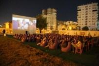 PATLAMIŞ MISIR - Mezitli'de Yazlık Sinema Keyfi