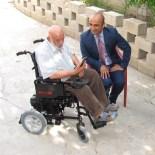 AKÜLÜ SANDALYE - Özdemir'den Yürüme Engelli Vatandaşa Akülü Sandalye