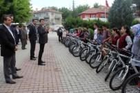 Pınarhisarlı Öğrencilere Bisiklet Dağıtıldı